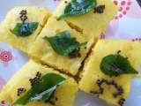 Nylon khaman (steamed chickpea cake)