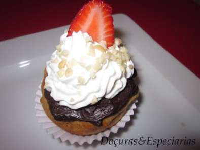 Receita Polcas com cobertura de chocolate e chantilly