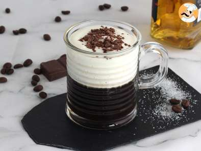 Receita Irish Coffee (café com whisky e chantilly)