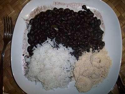 Resultado de imagem para feijão arroz e farofa - brasil