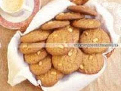 Biscoitos amanteigados com amendoim