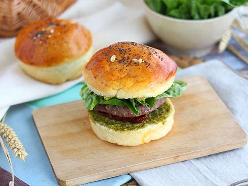 Hambúrguer à Italiana Molho Pesto Tomate Seco Muçarela Receita Petitchef